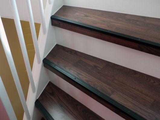 Oppussing av trapp: Skal male trappen, men hva med trinnene ...