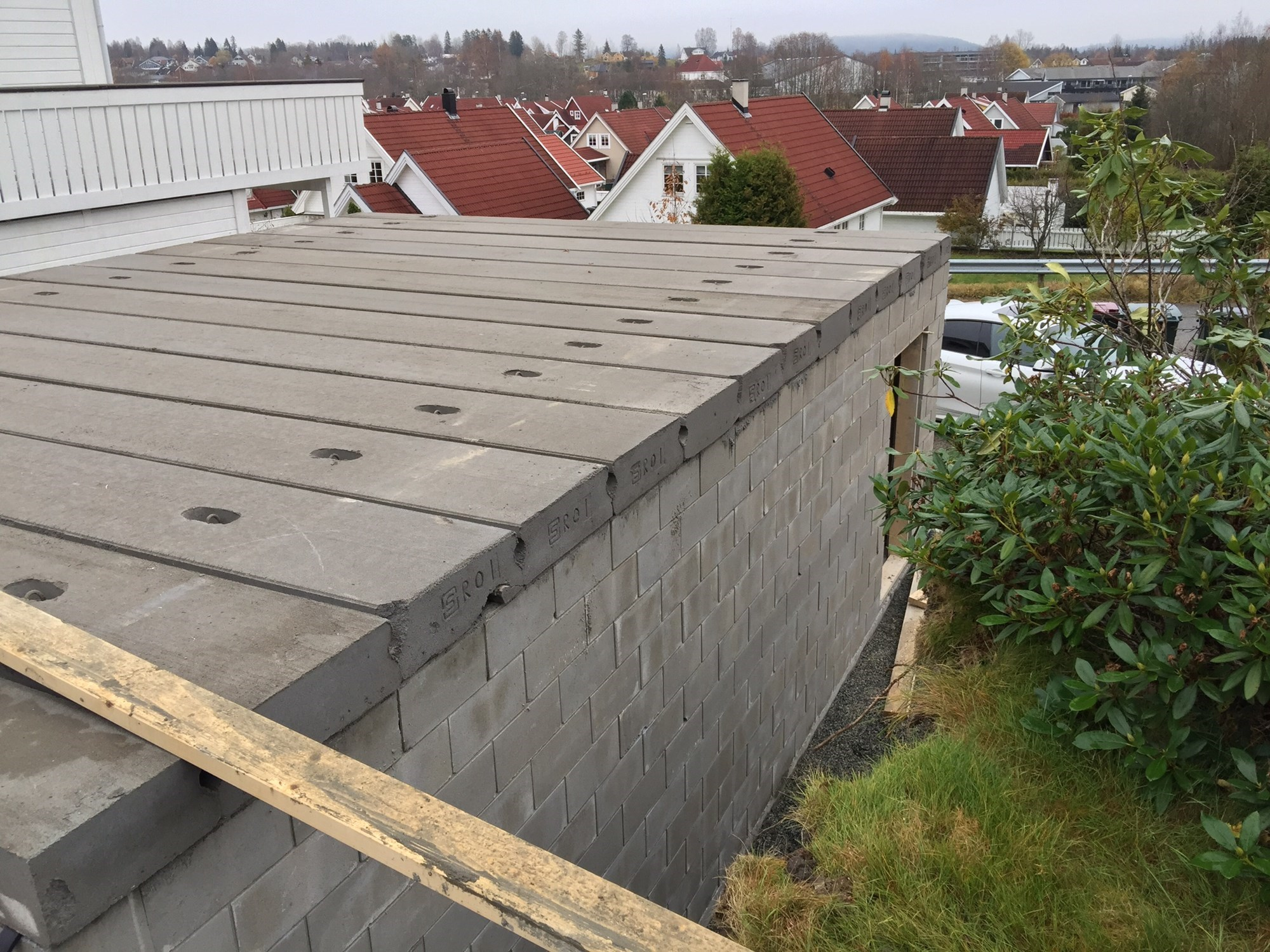 hvor mye veier 1 kubikk betong