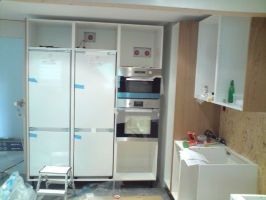 Skjule hull i bakplate kjøkkenskap   byggebolig.no
