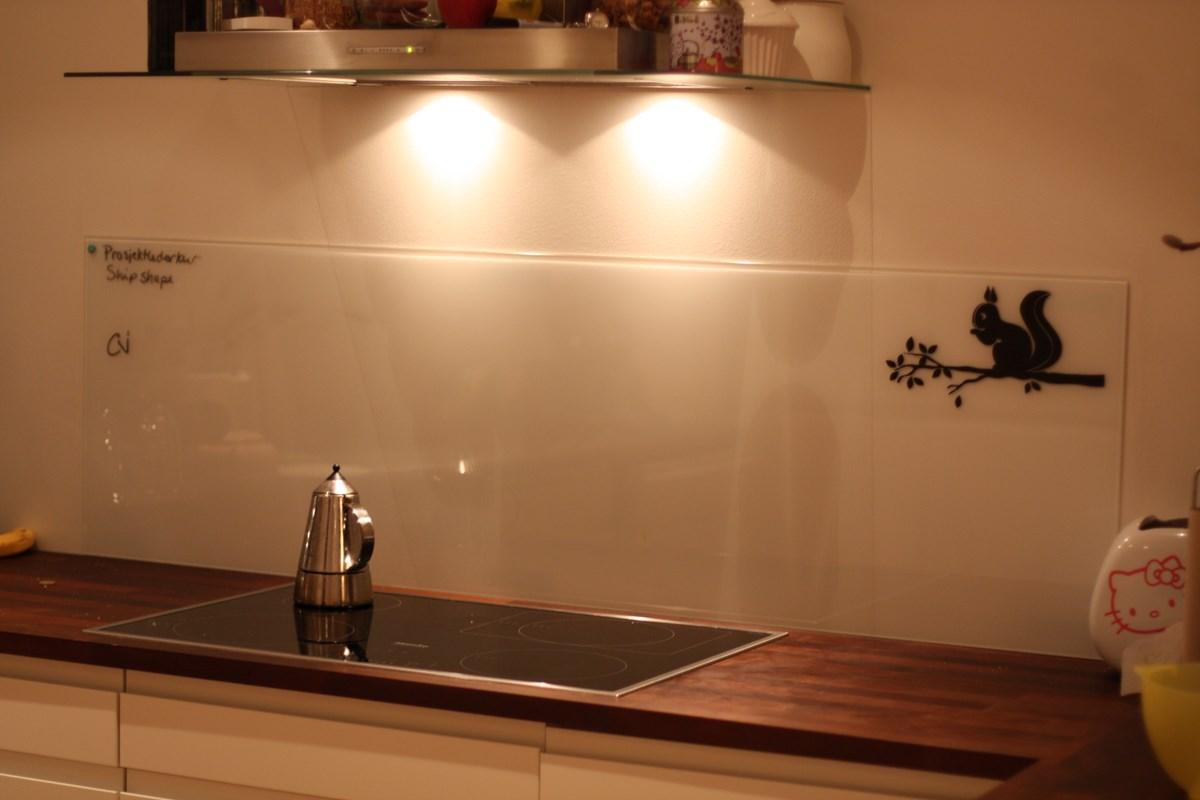 IKEA Malm glassplate over kj?kkenbenk, noe som har? Evt har kommentarer?