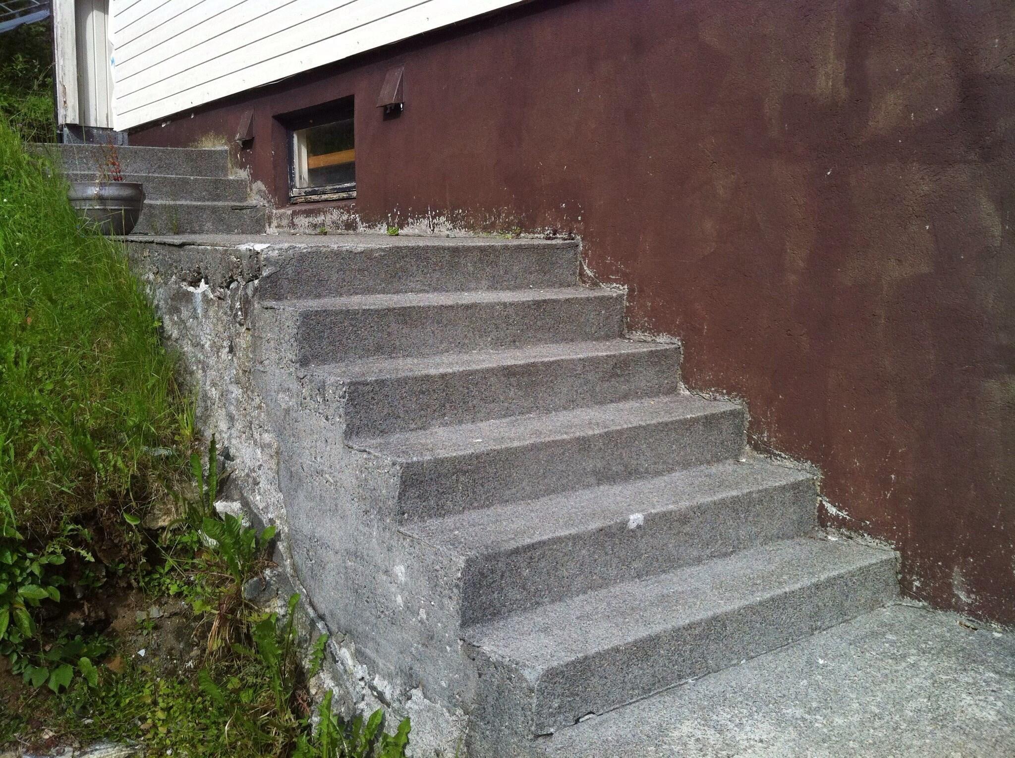 Trapp ute stein