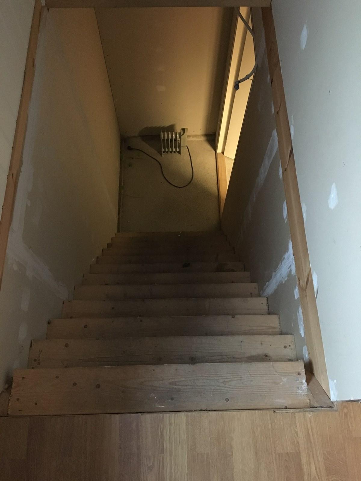 trearbeider konstruksjoner isolering hvordan fa storre trappetrinn til garsjeloftet