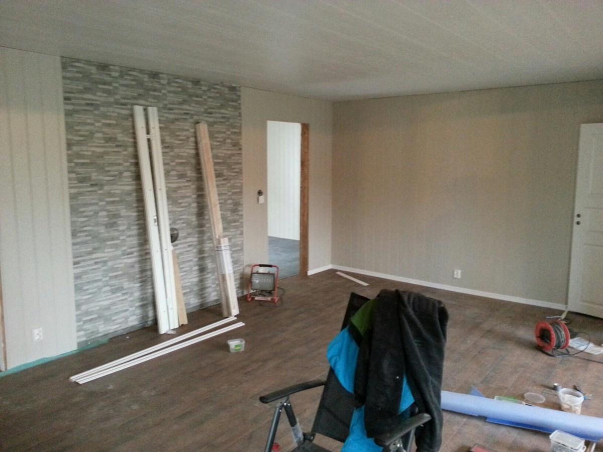 Listverk gulv+tak rundt ovn - ByggeBolig