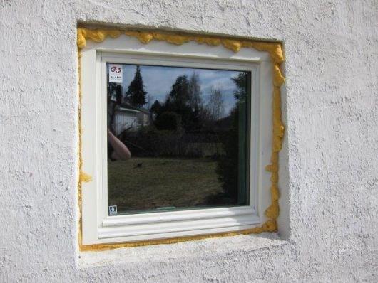 Tetning/fuging av nyinnsatte vinduer og dør - ByggeBolig
