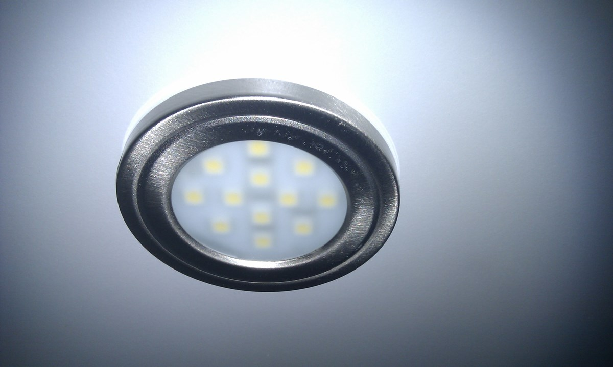 Led Belysning Kok overskap : Belysning kjokken  LED downlights under overskapjpg  BeritS