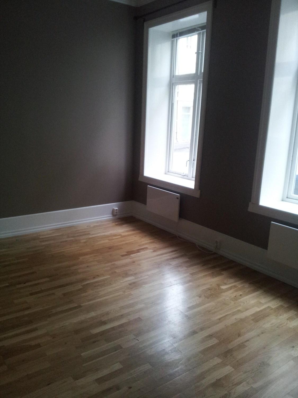 Hvor kjøper man fine, brede lister til et gammelt hus med høyt ...