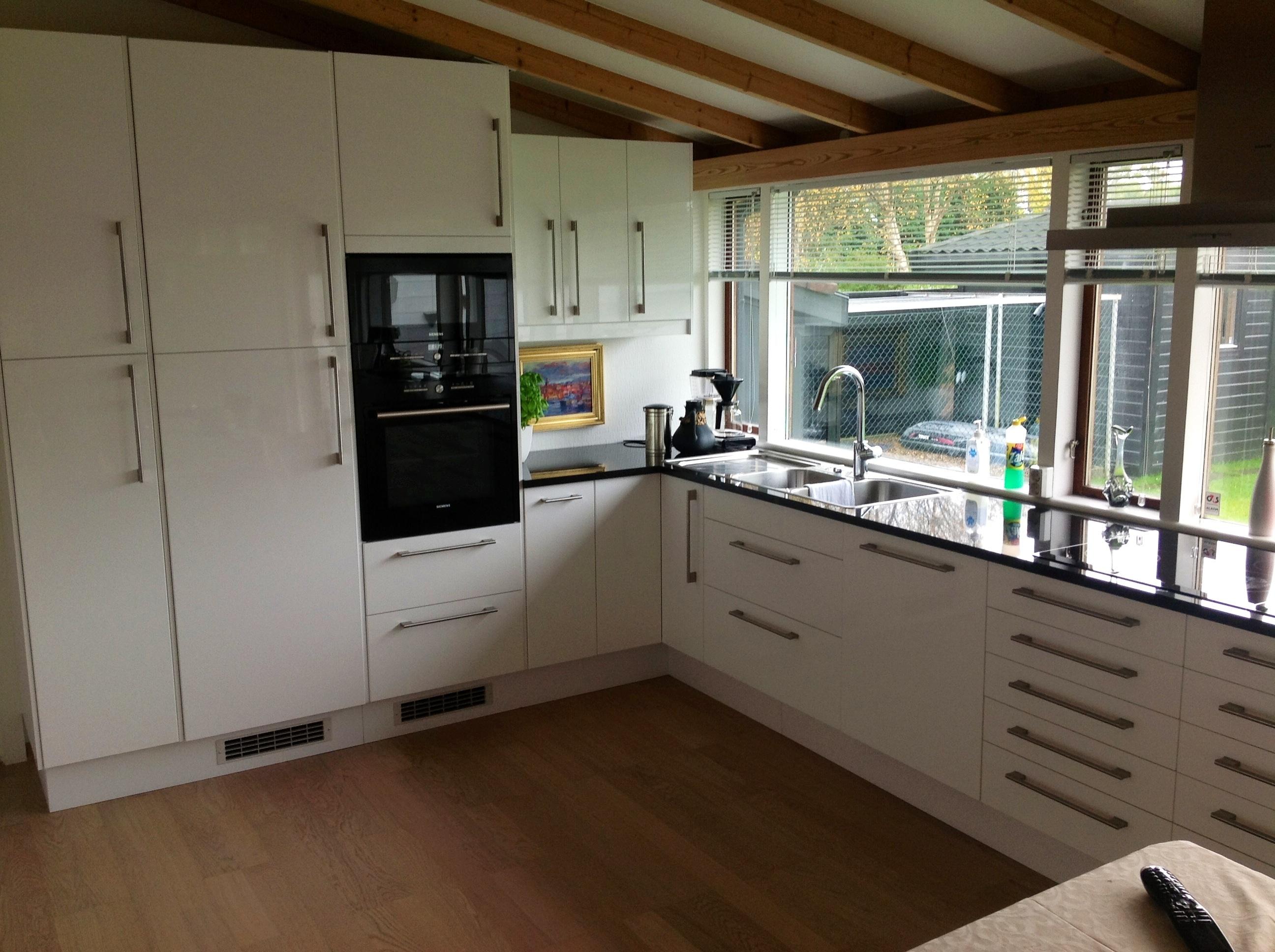 Montering håndtak kjøkkenskap - image.jpg - Gøffe