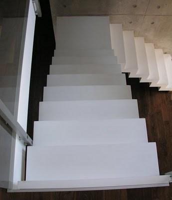 Hvit trapp med hvite trinn? - trapp_hvit.jpg - zoodels