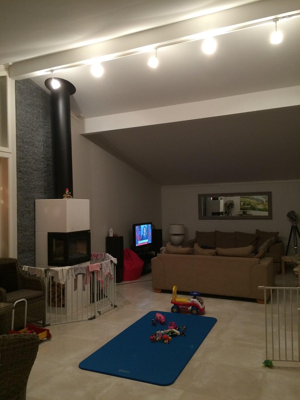 Hjelp til belysning av stue med ?pen himling. - IMG_4258.JPG - HowTo