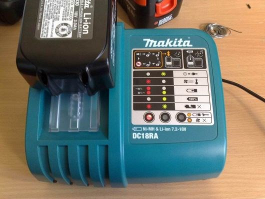 How to mod your Makita DC18RA from 110v to 220v. - 24072008151.jpg - magua