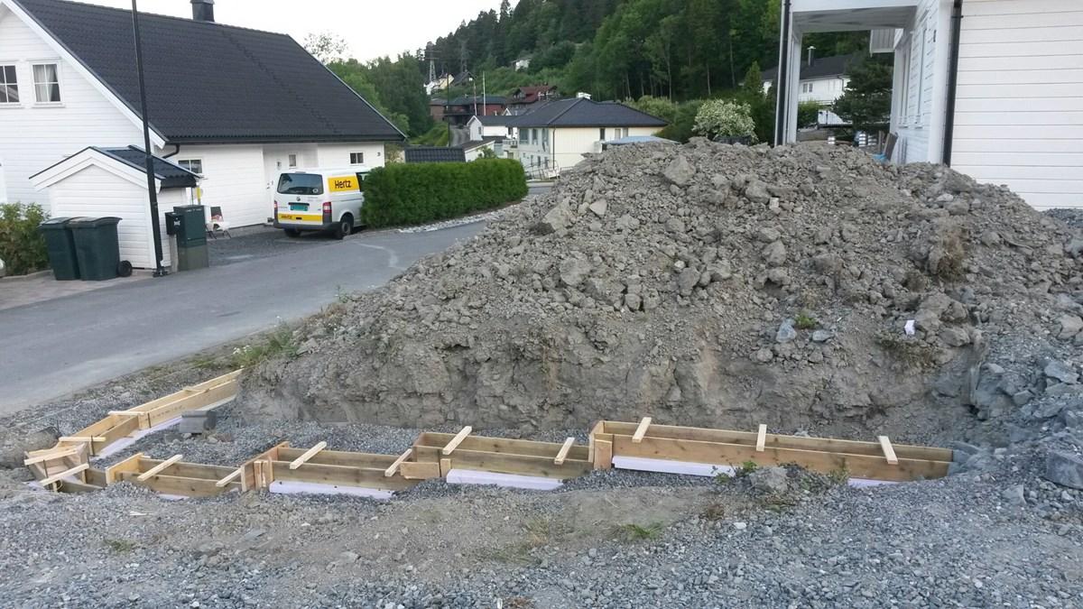 Bygge Støttemur I Skråning