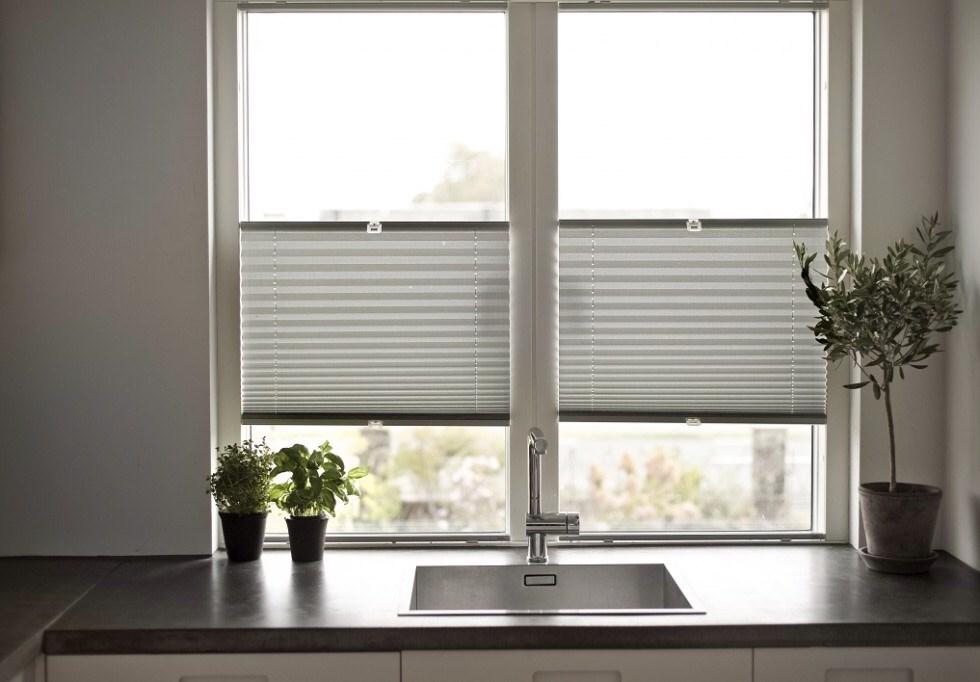Ultra Hvordan montere lystette gardinger pent i dette vinduet? - ByggeBolig GE-99