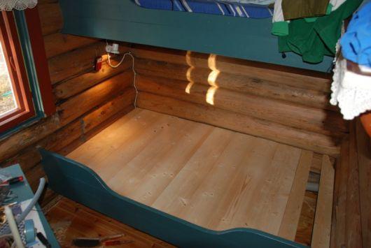 Bygge seng med oppbevaringsskuffer under + lage skap over seng